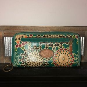 Fossil clutch wallet pre owned condition